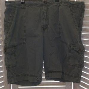 Army green Merona women's cargo shorts sz 18